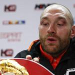 Британский боксер Фьюри отказался от двух чемпионских поясов